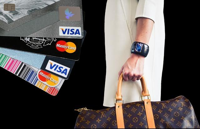 karty a nakupování